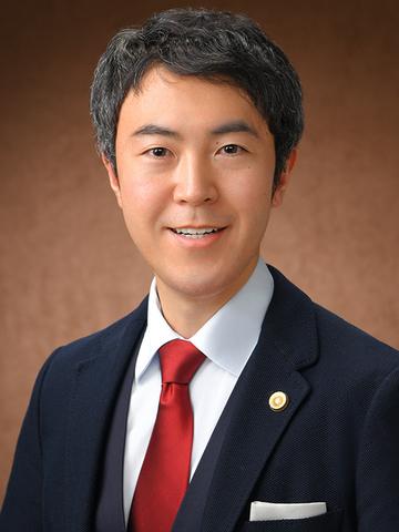 上野 潤 氏